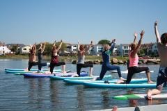 SUP yoga lunge